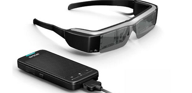 c5b923c5da セイコーエプソンは2014年1月28日、メガネのように装着して使用するウェアラブル情報端末「スマートグラス」の新製品として、シースルーモバイルビューアーMOVERIO(  ...