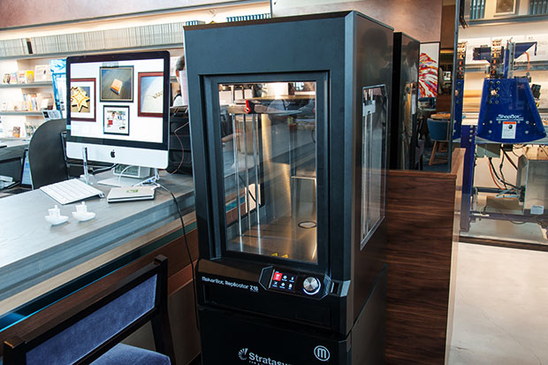 3Dプリンタ:「MakerBot Replicator Z18」
