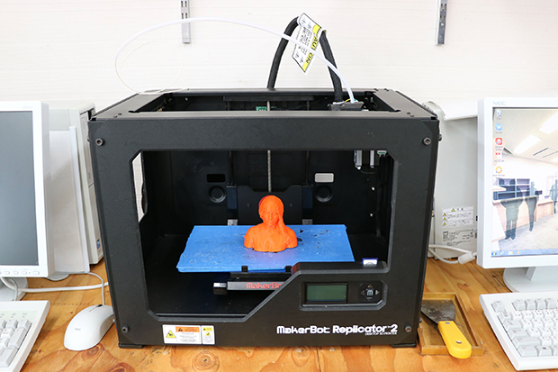 3Dプリンタ「MakerBot Replicator 2」